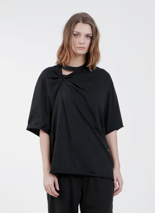 """Satchel Black""""Her Daily Black """" Cut-out  T'shirt"""
