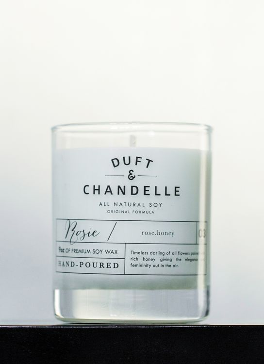Duft & Chandelle Rosie Scented Candle 9oz