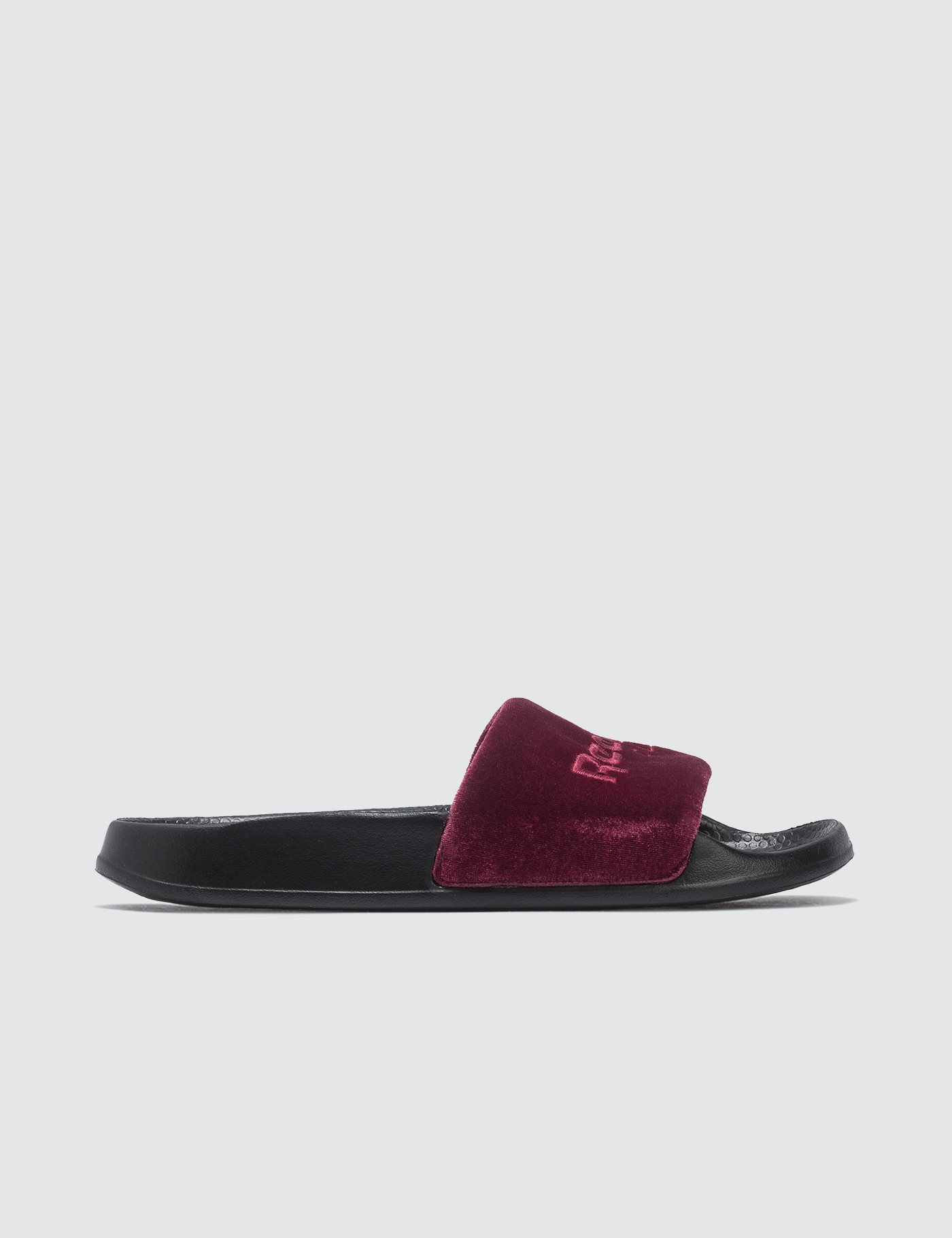 32a10bf028be Buy Original Reebok Classic Slide at Indonesia
