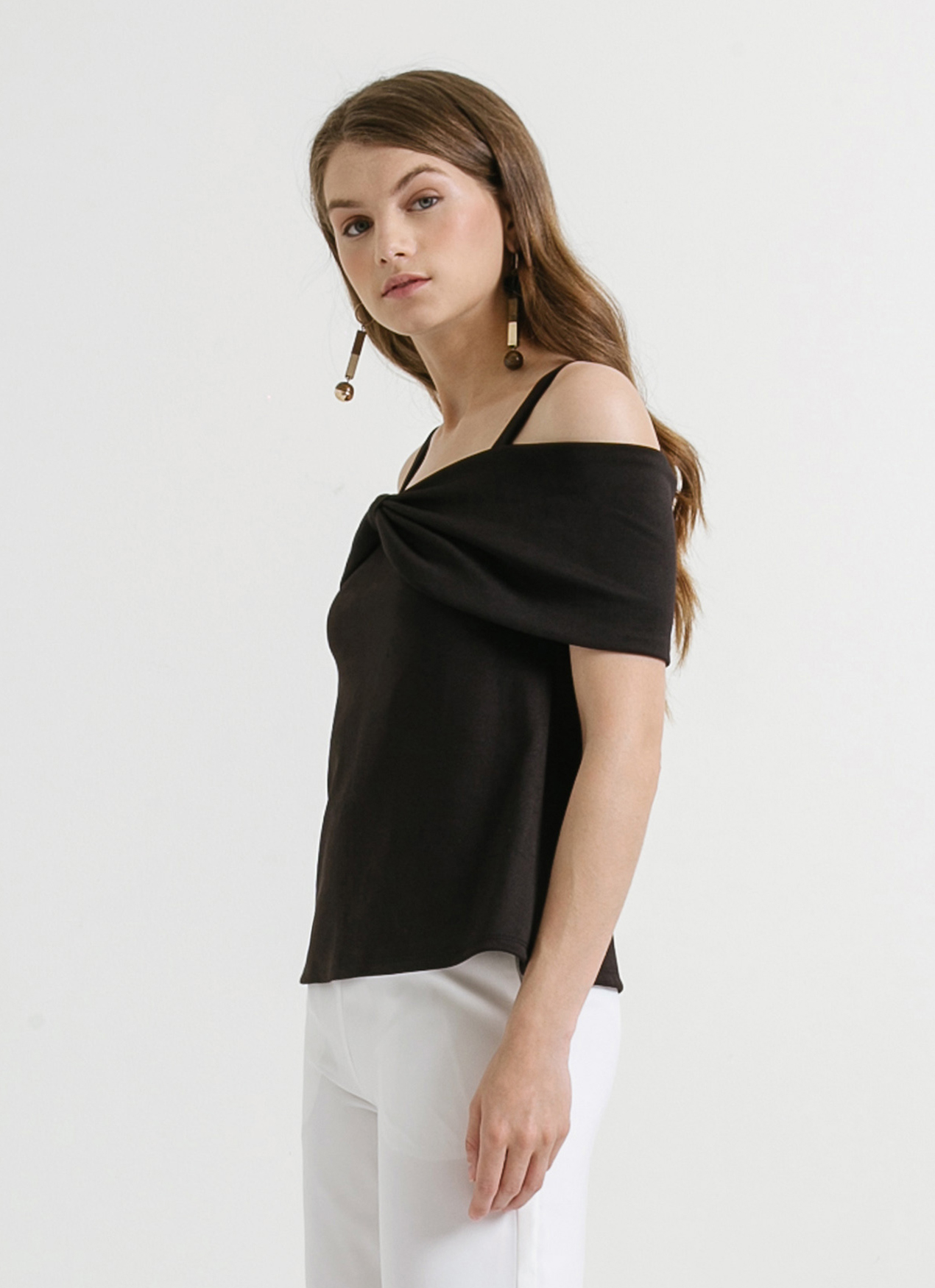 0e5b3ddfd589f Buy Original CLOTH INC Black Off Shoulder Bow Top at Indonesia ...