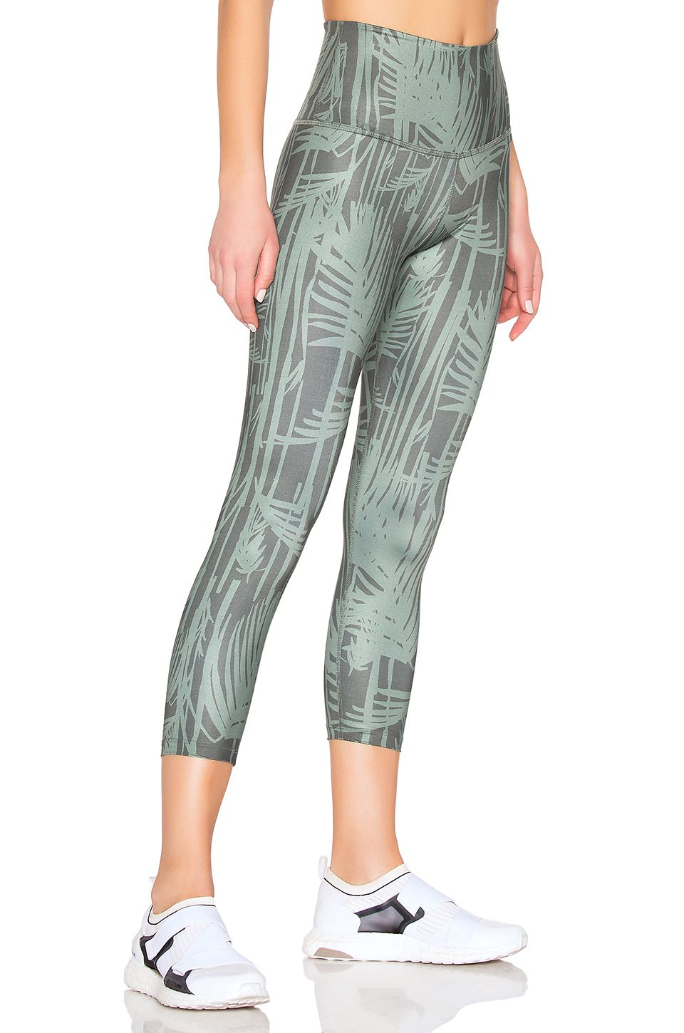 b0e0914732975b ... Beyond Yoga Lux Print Walk And Talk High Waisted Capri Legging ...