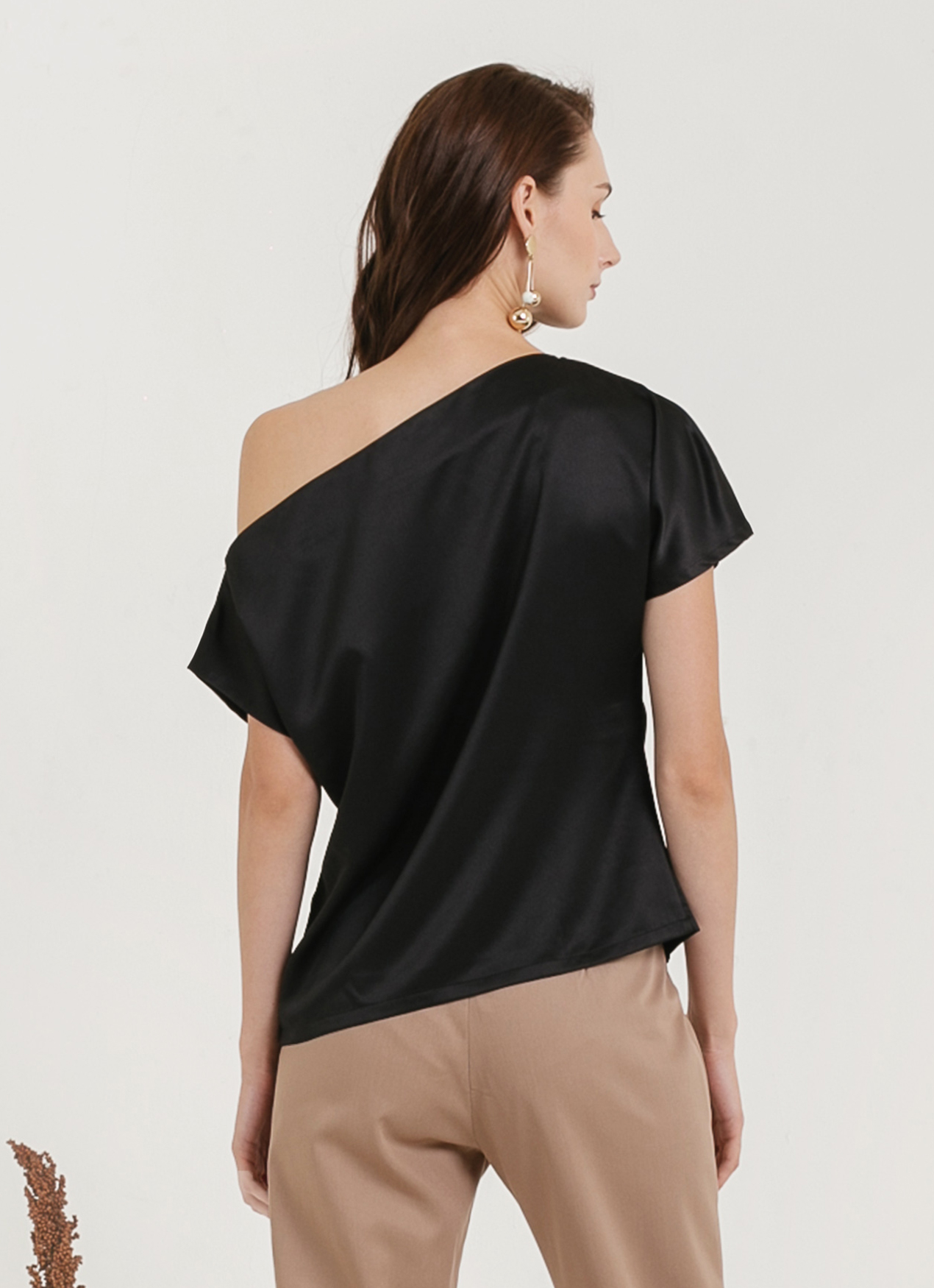 CLOTH INC Sabina One Shoulder Top - Black