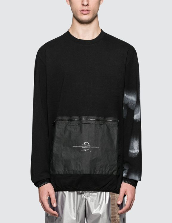 Oakley by Samuel Ross L/S T-Shirt with Front Zip Pouch
