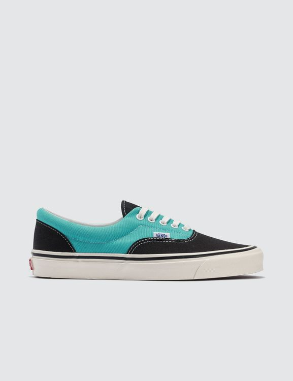 d4d4e9e4ab8 Buy Original VANS Online at Indonesia