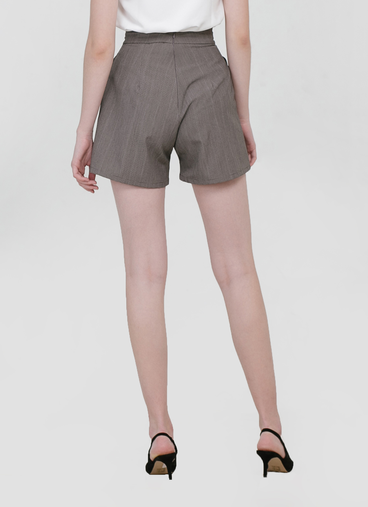 CLOTH INC Bonnie Shorts - Gray Plaid