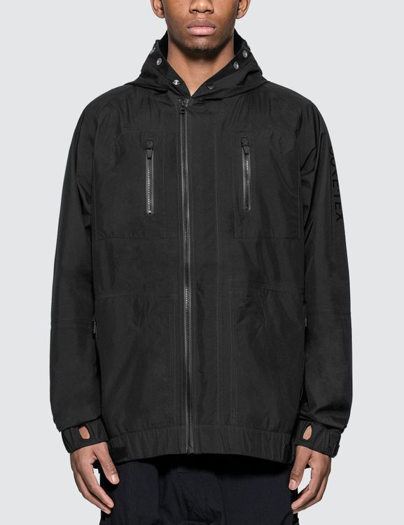 Converse x TheSoloist. Gore-tex Packable Jacket