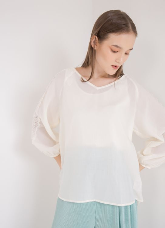 Earth, Music & Ecology Abby Top - Ivory