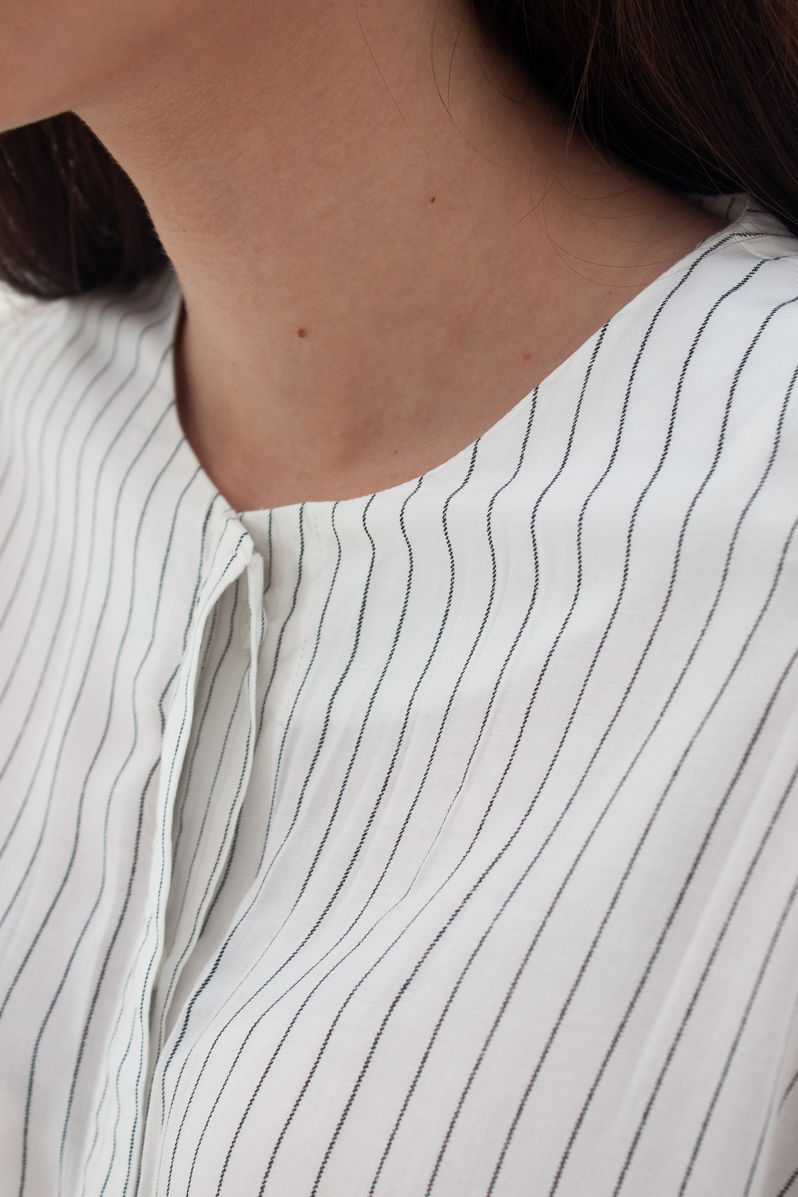 Shopatvelvet Momento Shirt White Stripes