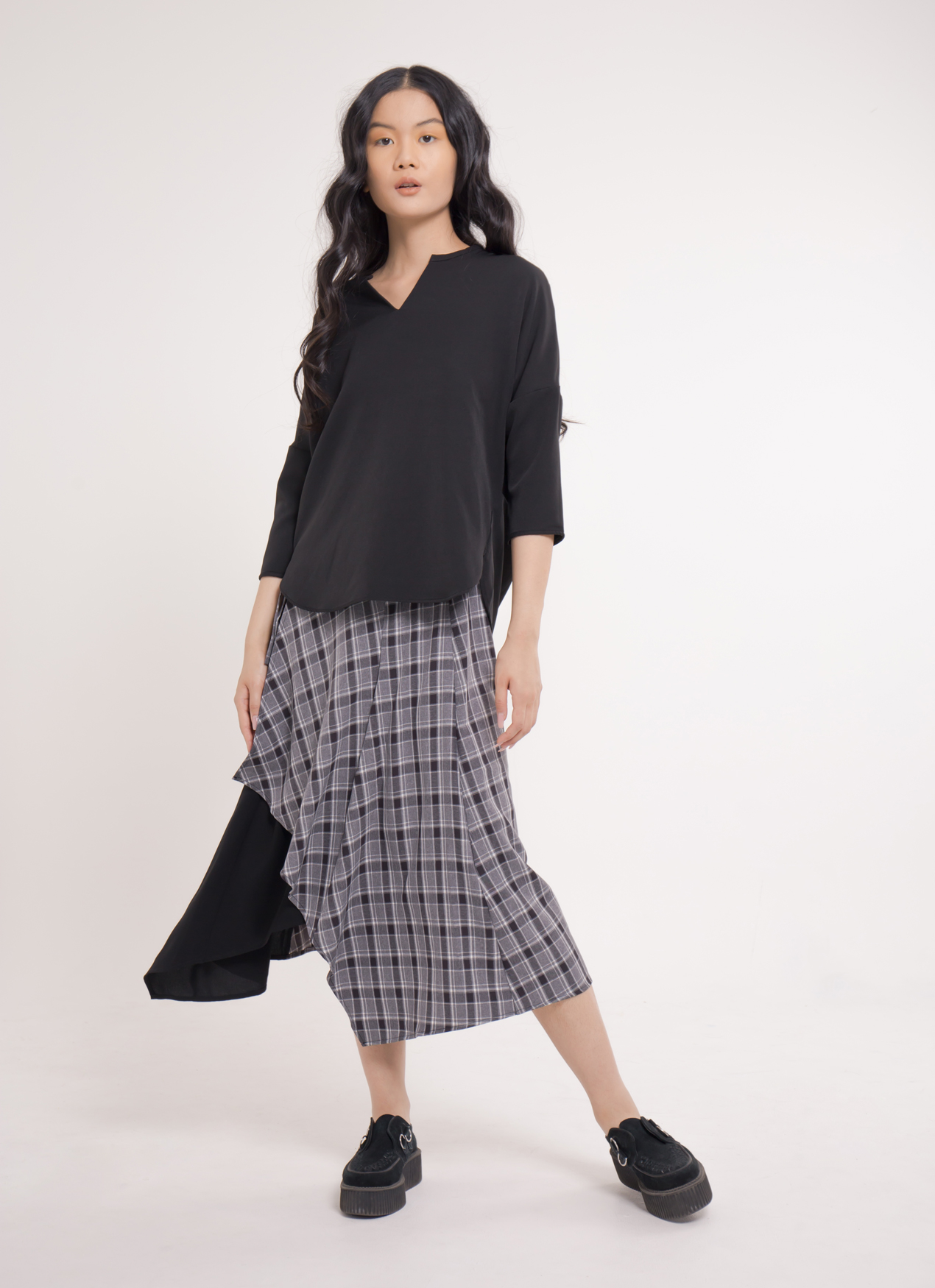 Earth, Music & Ecology Hana Top - Black