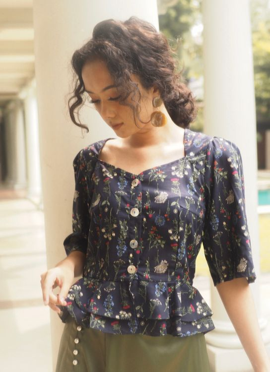 Starry Sweetheart Blouse - Flower
