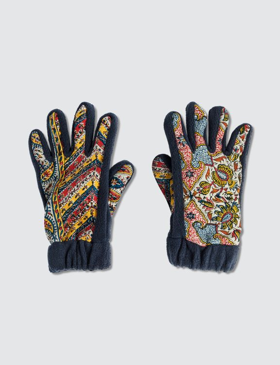 Paria Farzaneh Iranian Print Fleece Gloves