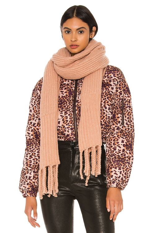 Plush Oversized Ribbed Scarf