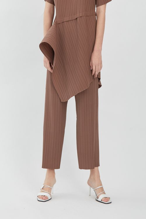 Shopatvelvet Comma Pleated Trousers Brown
