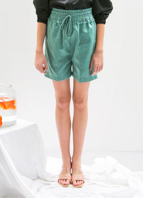 EUREKA Naomie Shorts - Green