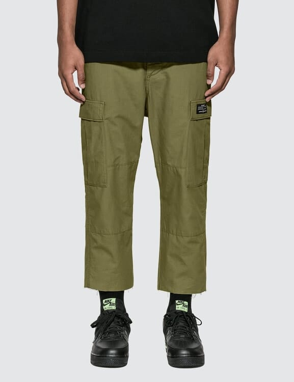 uniform experiment Hem Cut Off Cropped Cargo Pants