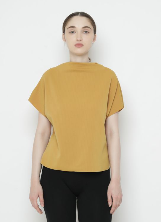 Basic by Komma Ep.02.031 - Top - Mustard