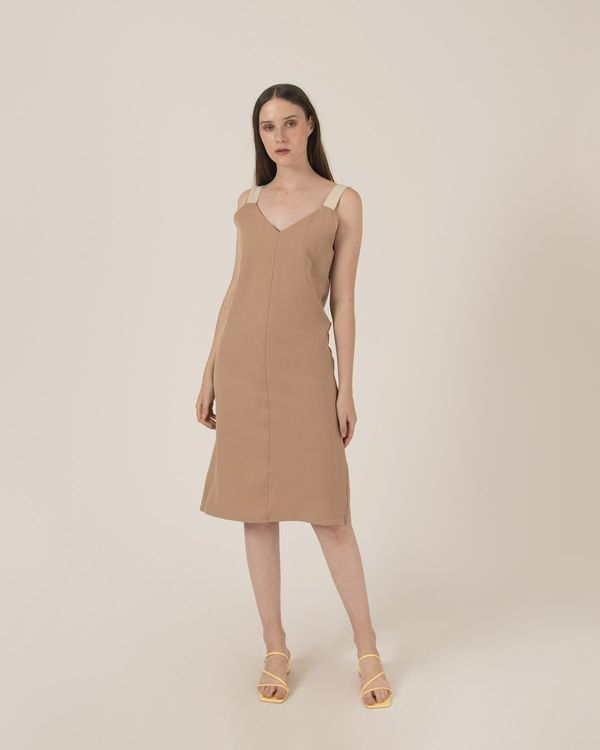 Callie Closely Dress Beige