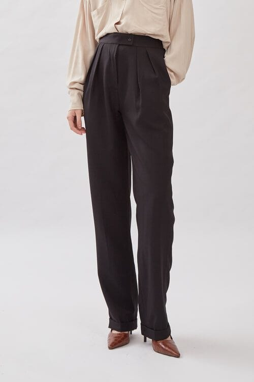Shopatvelvet South Trousers in black