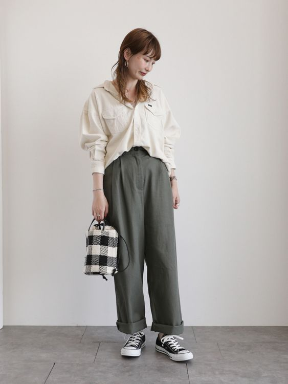 E-hyphen World Gallery Ryu Pants - Khaki