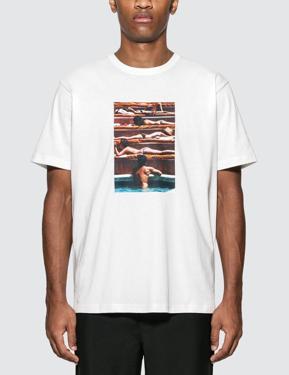 "Rowing Blazers Slim Aarons ""Eye Of The Beholder"" (1974) T-Shirt"