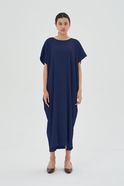 Shopatvelvet Texture Resort Dress In Navy