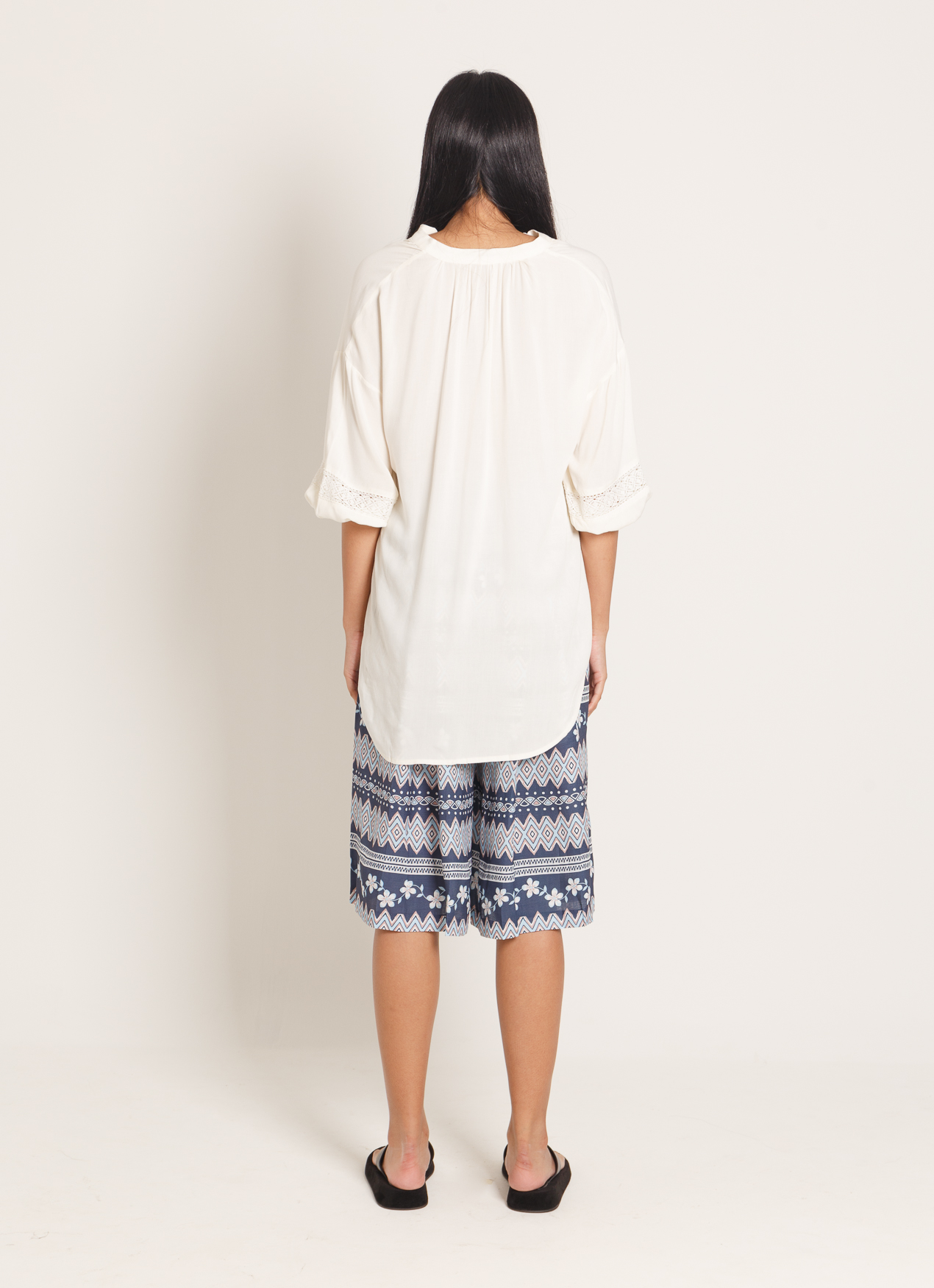 Earth, Music & Ecology Tomoko Top - Off White