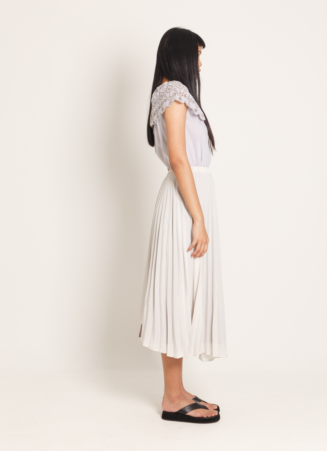 American Holic Mikki Pleated Skirt - Ivory