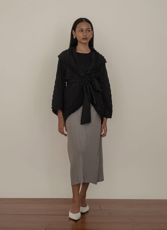 Orgeo Official Aune Outer - Black