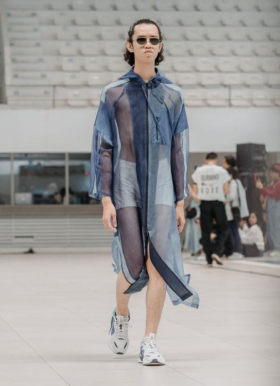 Cover Me Not Hooded Coat Medium Wide Fit - Ohmm By Bai X Kelly Tandiono