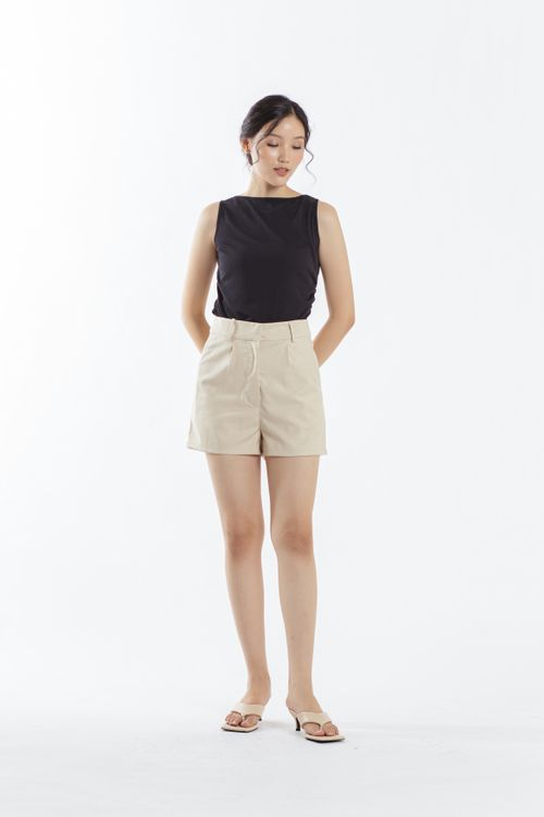 CLOTH INC Days Linen Shorts in Creme