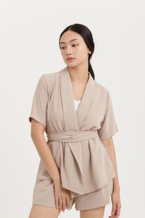 CLOTH INC Belted Short Sleeve Outer in Khaki
